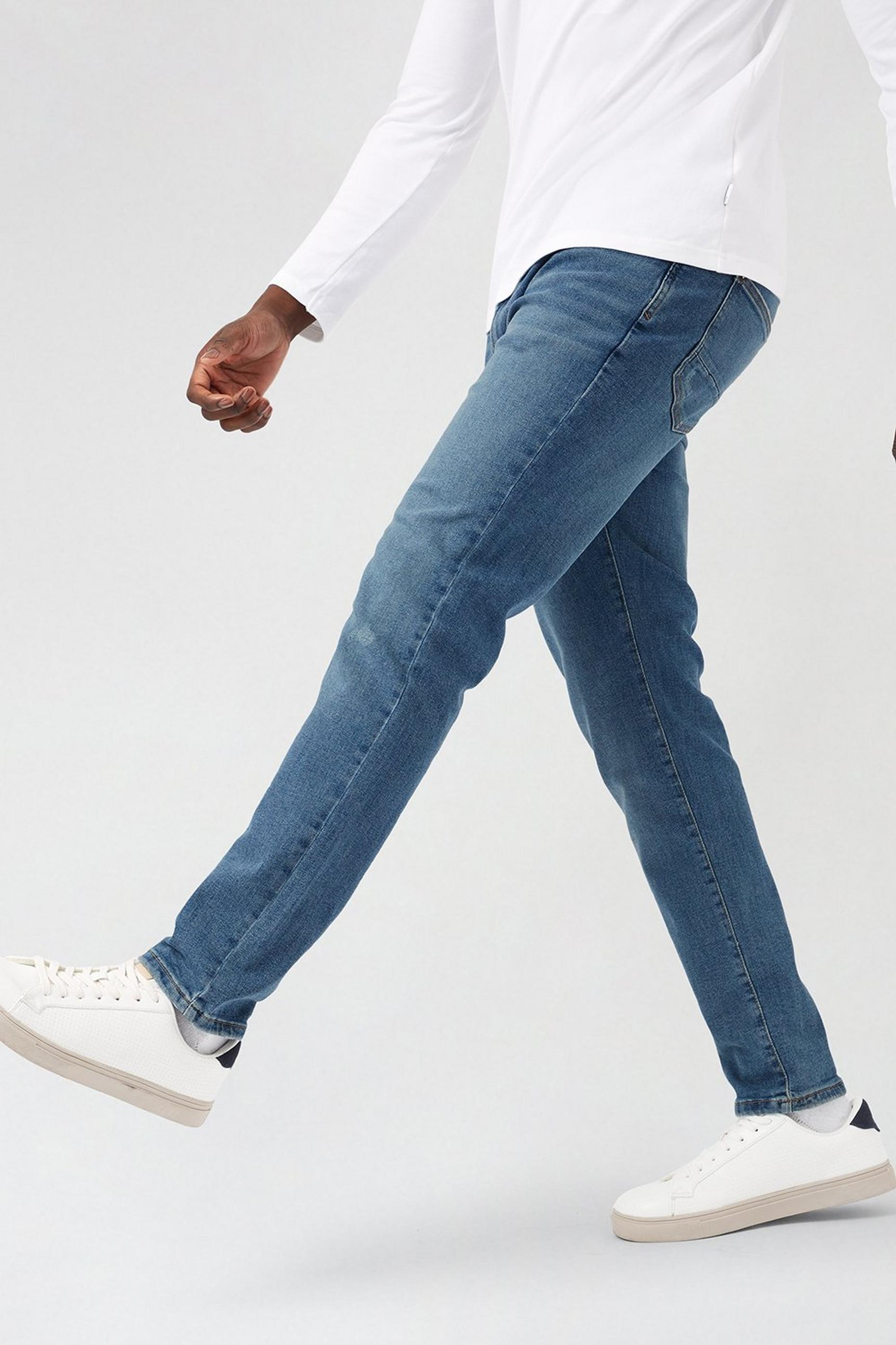 Tint Blue Tapered Dirty Jeans