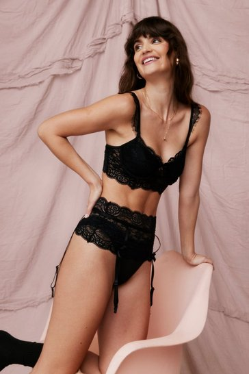 Black Lace-ing Our Steps Scalloped 3-Pc Lingerie Set