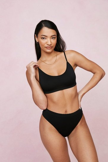 Black Seamless Scoop Neck Strappy Bralette