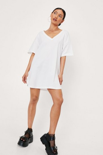 White Petite V Neck Oversized T-Shirt Mini Dress
