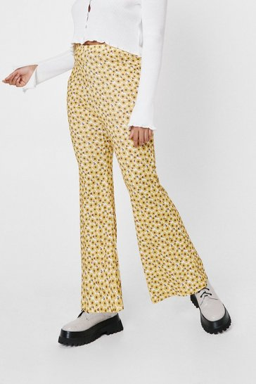 Yellow Plus Size Daisy Print High Waisted Flare Pants