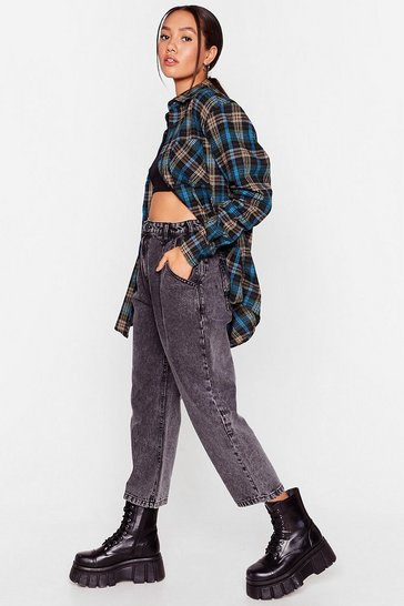 Washed black Petite Acid Wash Relaxed Jeans