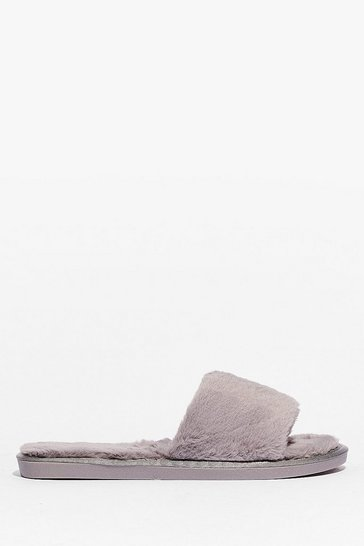 Grey Feelin' This Faux Fur Slippers