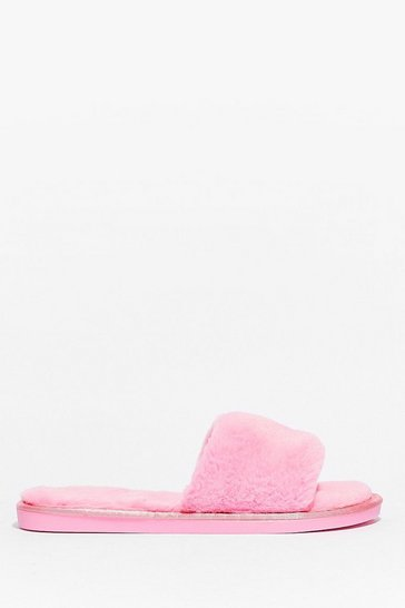Pink Feelin' This Faux Fur Slippers
