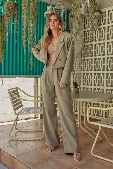 Khaki Woman's World Wide-Leg Turn-Up Pants