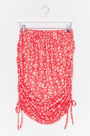 Red In Floral Treat Ruched Mini Skirt