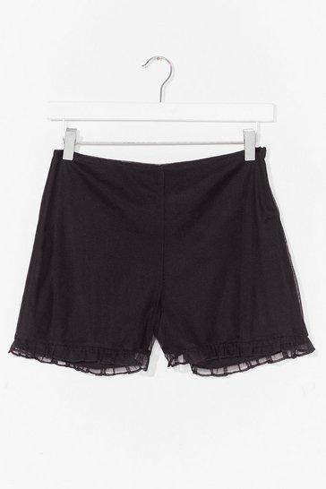 Black pleated flippy short