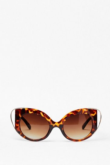 Brown Eyes On the Prize Tortoiseshell Sunglasses