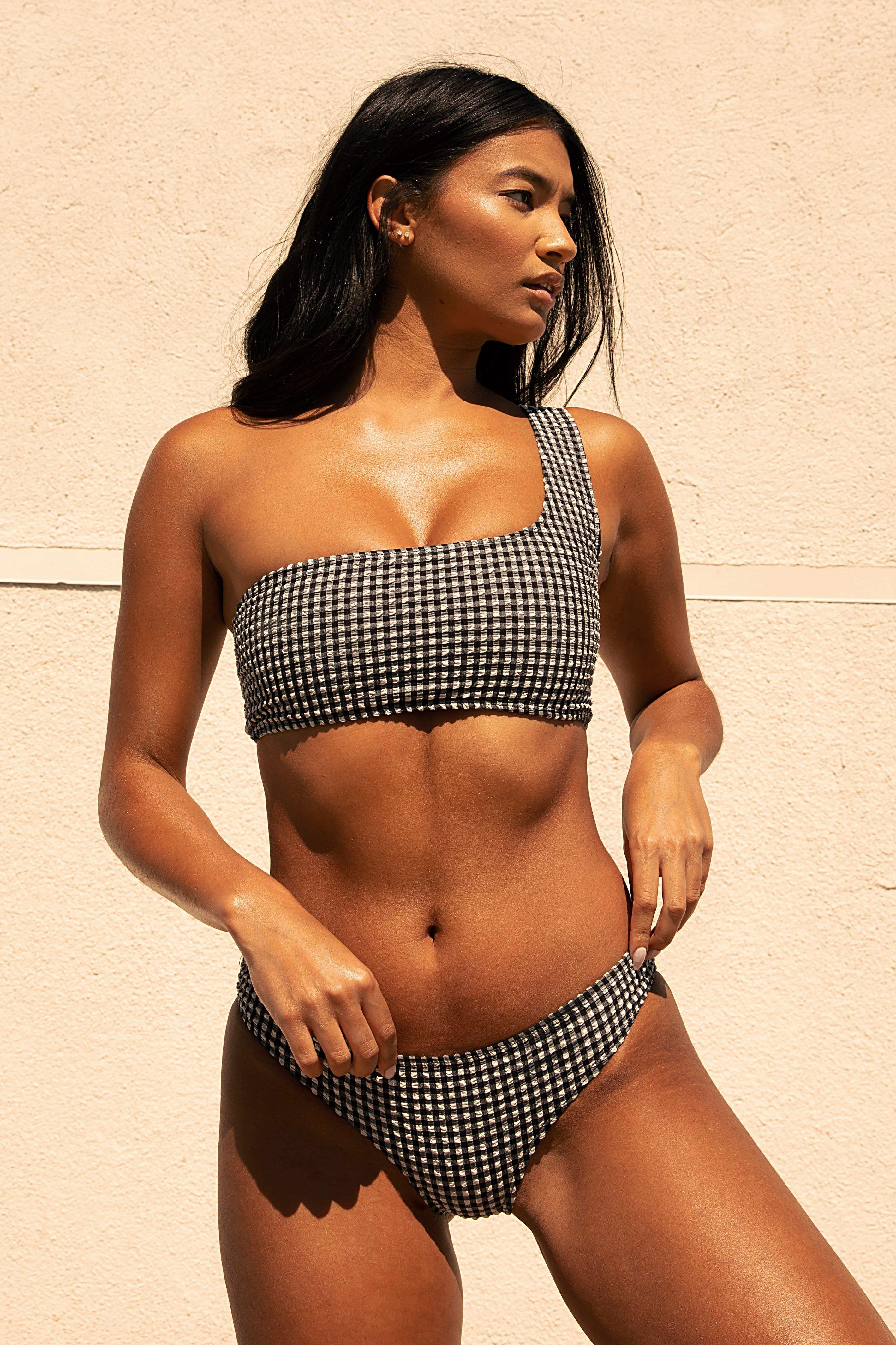 You Glow Girl Gingham One Shoulder Bikini Top