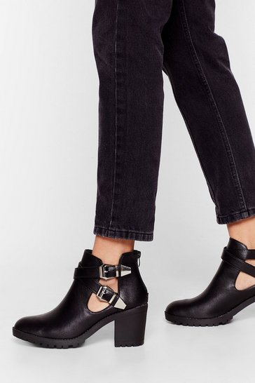 Black Strap That Buckle Heeled Boots