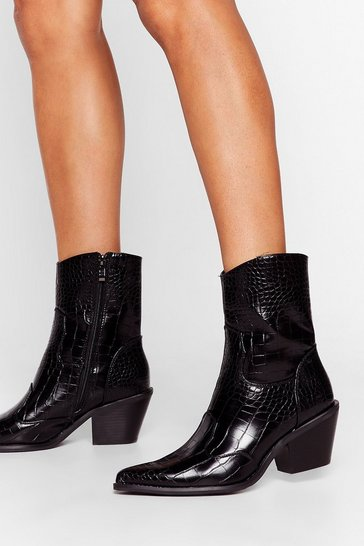 Black Heading Western Patent Faux Leather Boots