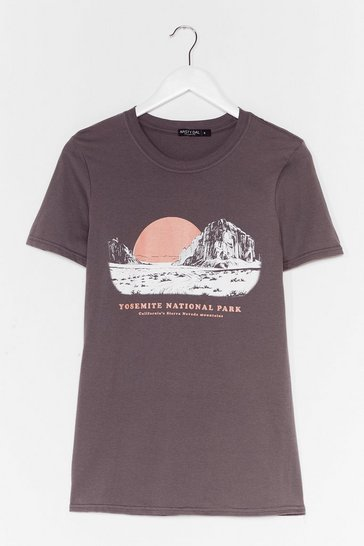 Charcoal Yosemite National Park Graphic Tee