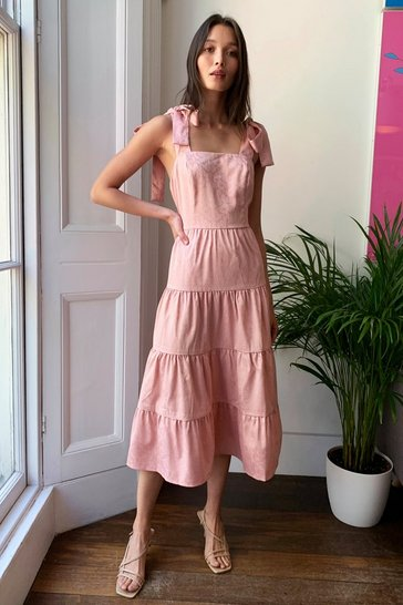Rose We Aim to Trapeze Tiered Midi Dress