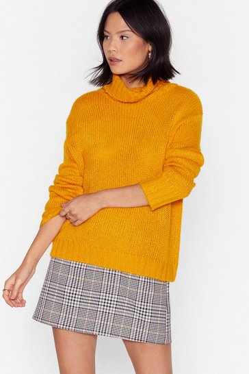 Golden Ribbed Edge Turtleneck Sweater in Relaxed Silhouette
