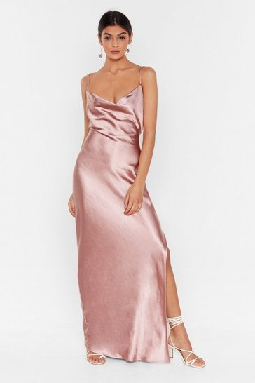 Robe longue fendue en satin à attacher au dos Queen de la night, Blush