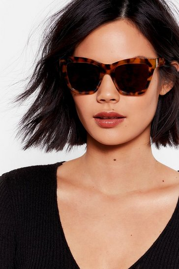Erm Tort of Square Sunglasses, Brown