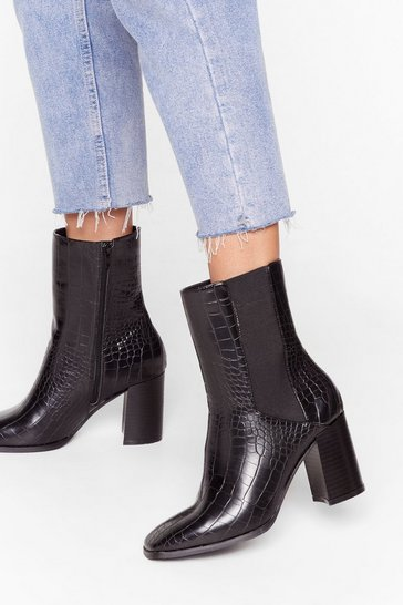 Bottines pointues en similicuir effet croco, Black