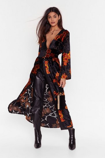 Black Star of the Grow Floral Longline Blouse