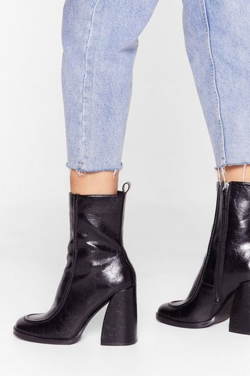 Black Curve 'Em Faux Leather Heeled Boots