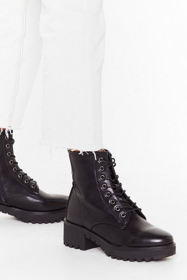 Black Cleated arch lace up pu biker boots