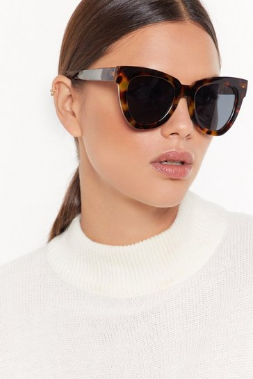 Brown Deep in Tort Oversized Cat-Eye Sunglasses