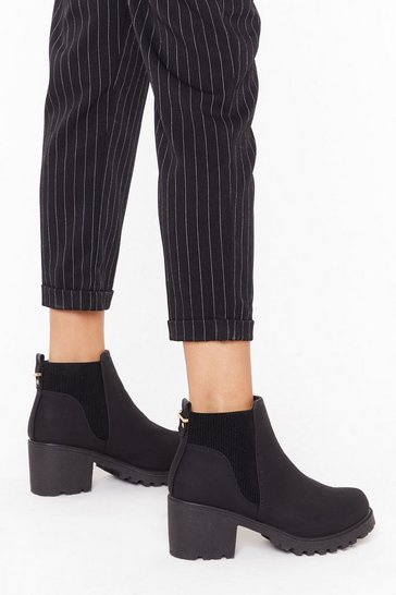 Womens Black Pu ribbed gusset cleated chelsea boots