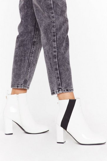 Asymetric gusset crinkle patent chelsea boots, White, FEMMES