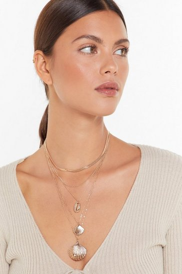 Gold Shell Shell Shell Layered Pendant Necklace