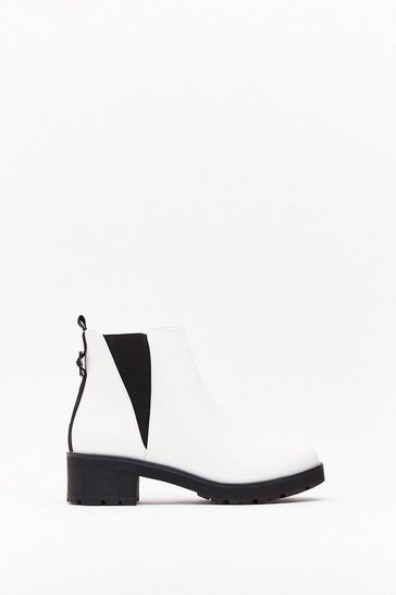 Womens White Vgusset chelsea boot