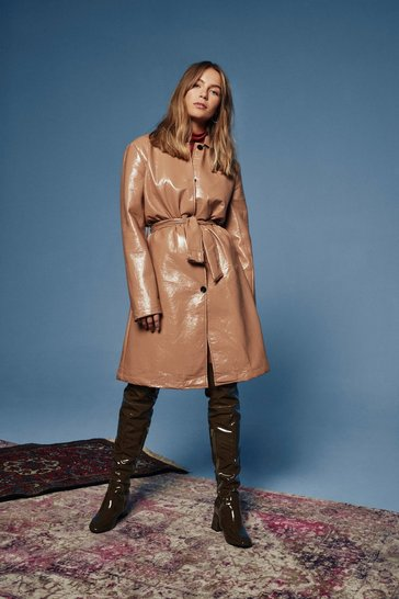 Womens Camel I Know What You Sheen Vinyl Belted Trench Coat