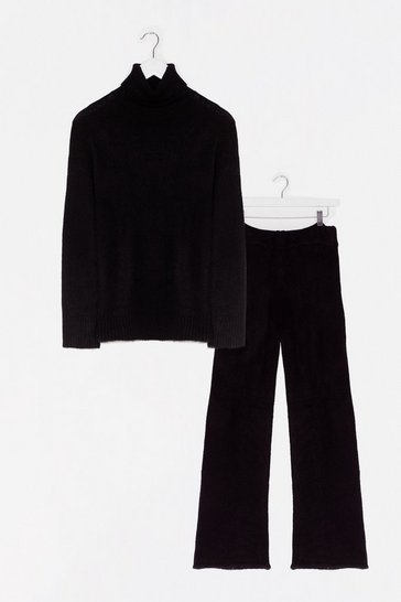 Black Turtleneck-xt Up Sweater and Wide-Leg Pants