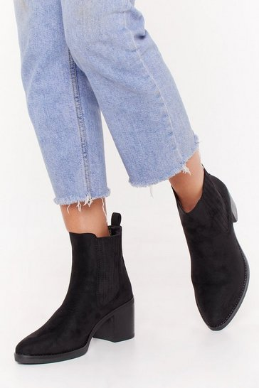 Womens Black Take a Walk in Our Faux Suede Chelsea Boots