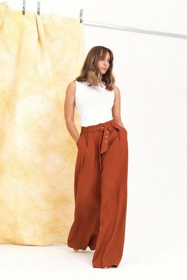 Womens Rust On the Runway Belted Wide-Leg Pants