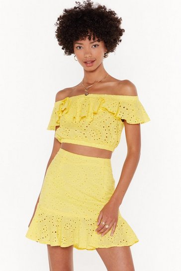Broderie Awesome Off-the-Shoulder Crop Top, Yellow, FEMMES