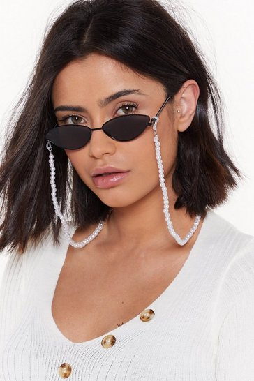 Womens White Mysterious Pearl Glasses Chain