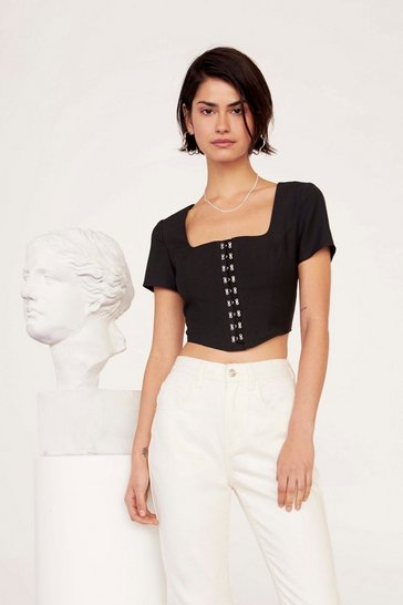 Womens Black Come Hither Hook-and-Eye Crop Top