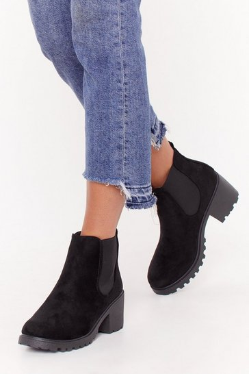 Womens Black Cleated Ribbed Gusset Chelsea Boot