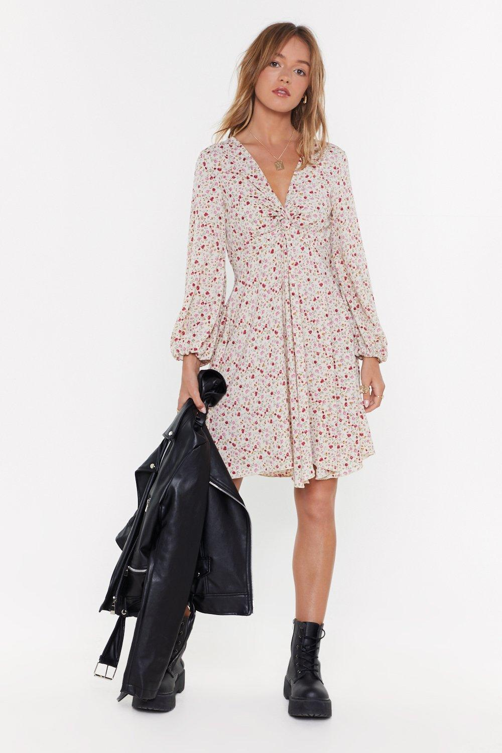 Twist Front Tea Dress In Floral Print Ms by Nasty Gal