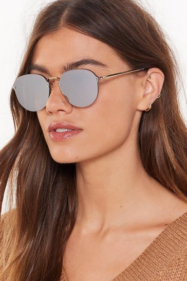 Womens Gold Out the Picture Thin Frameless Sunglasses