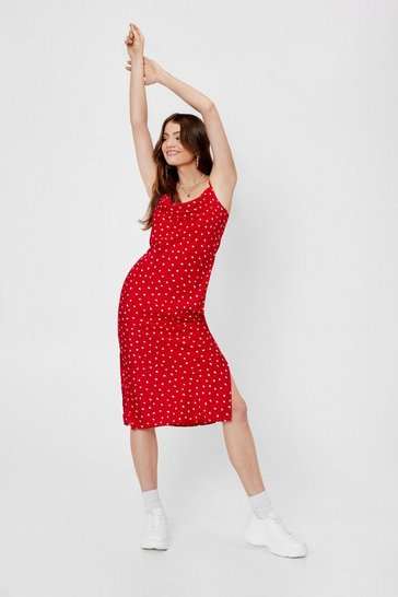 Red Throw the Cowl in Heart MidiDress