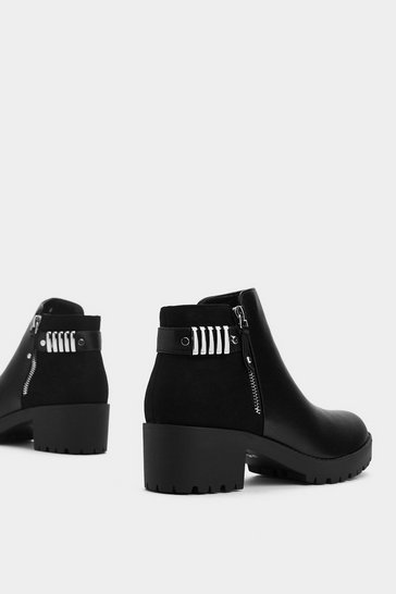 Womens Black Stomp the Competition Ankle Boot