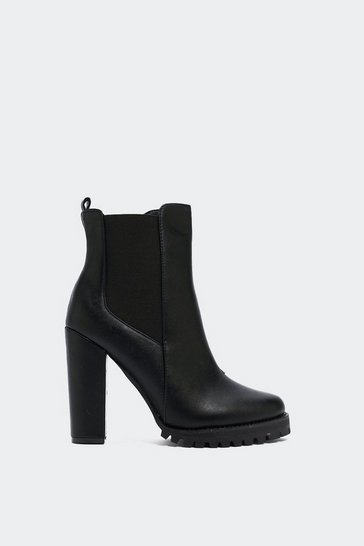 Black Leather Chelsea Boots with Elastic Goring