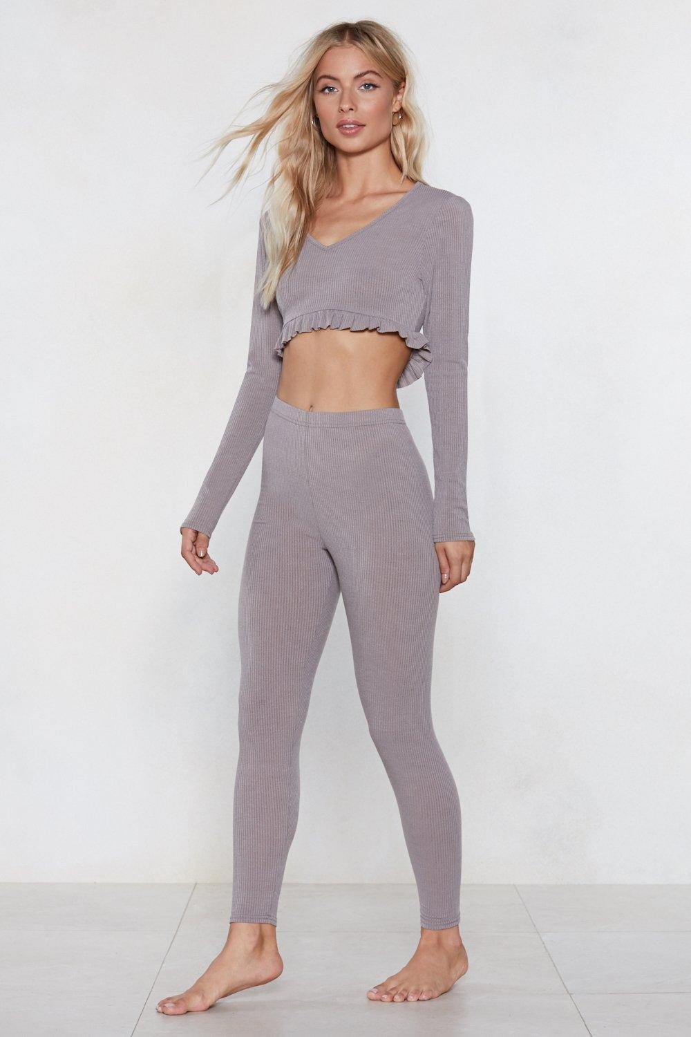 What S The Chill Lounge Crop Top And Leggings Set Nasty Gal
