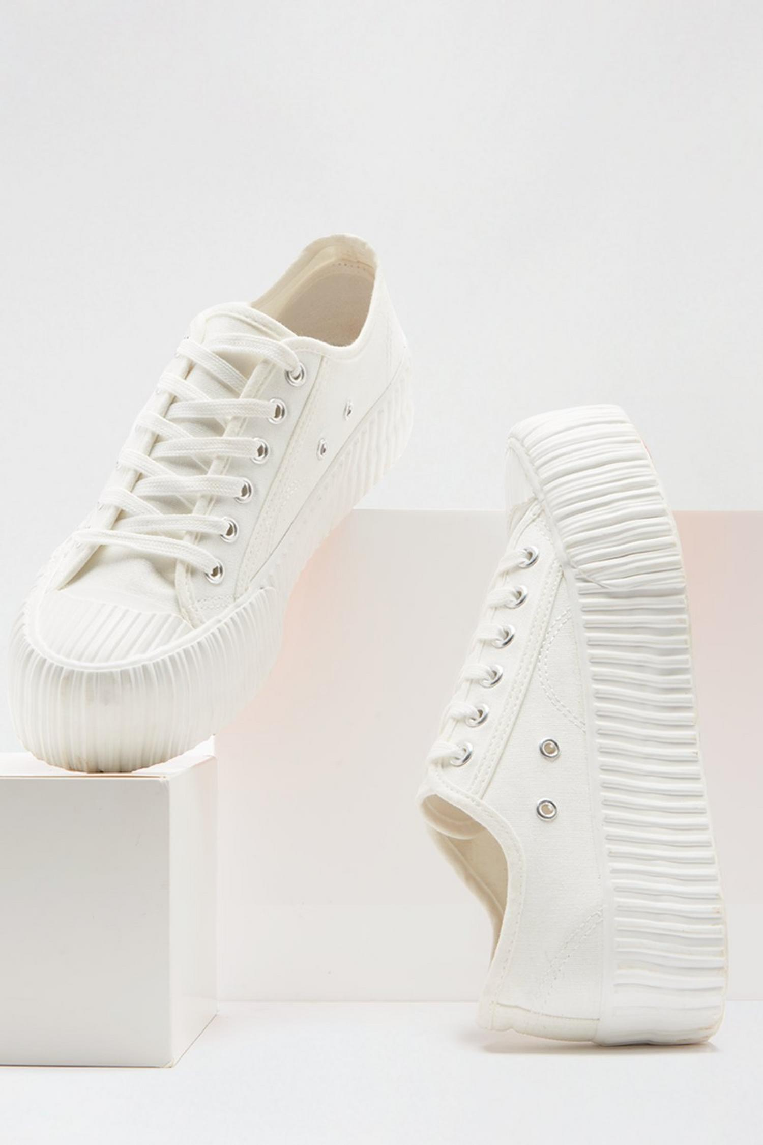 173 White Neptune Flatform Lace Up Trainer image number 3