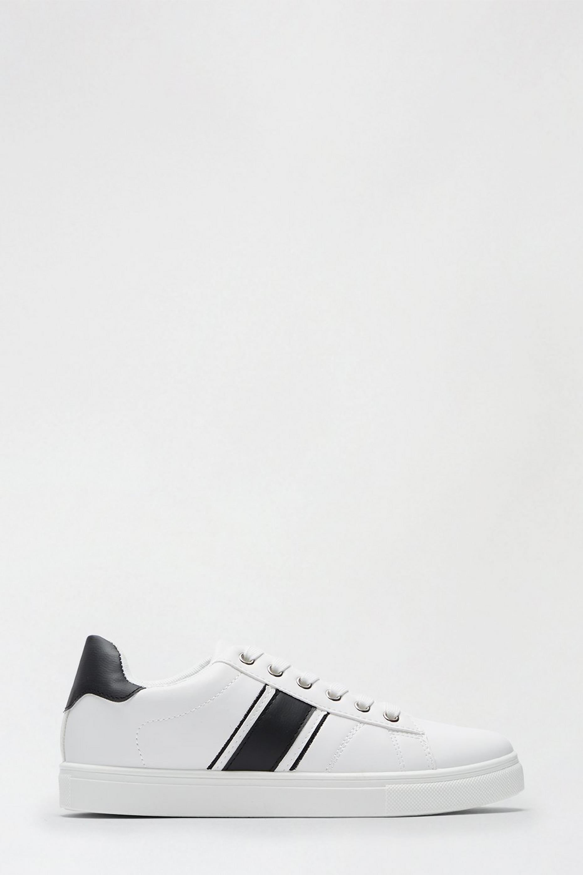 Black Isle Side Stripe Trainer
