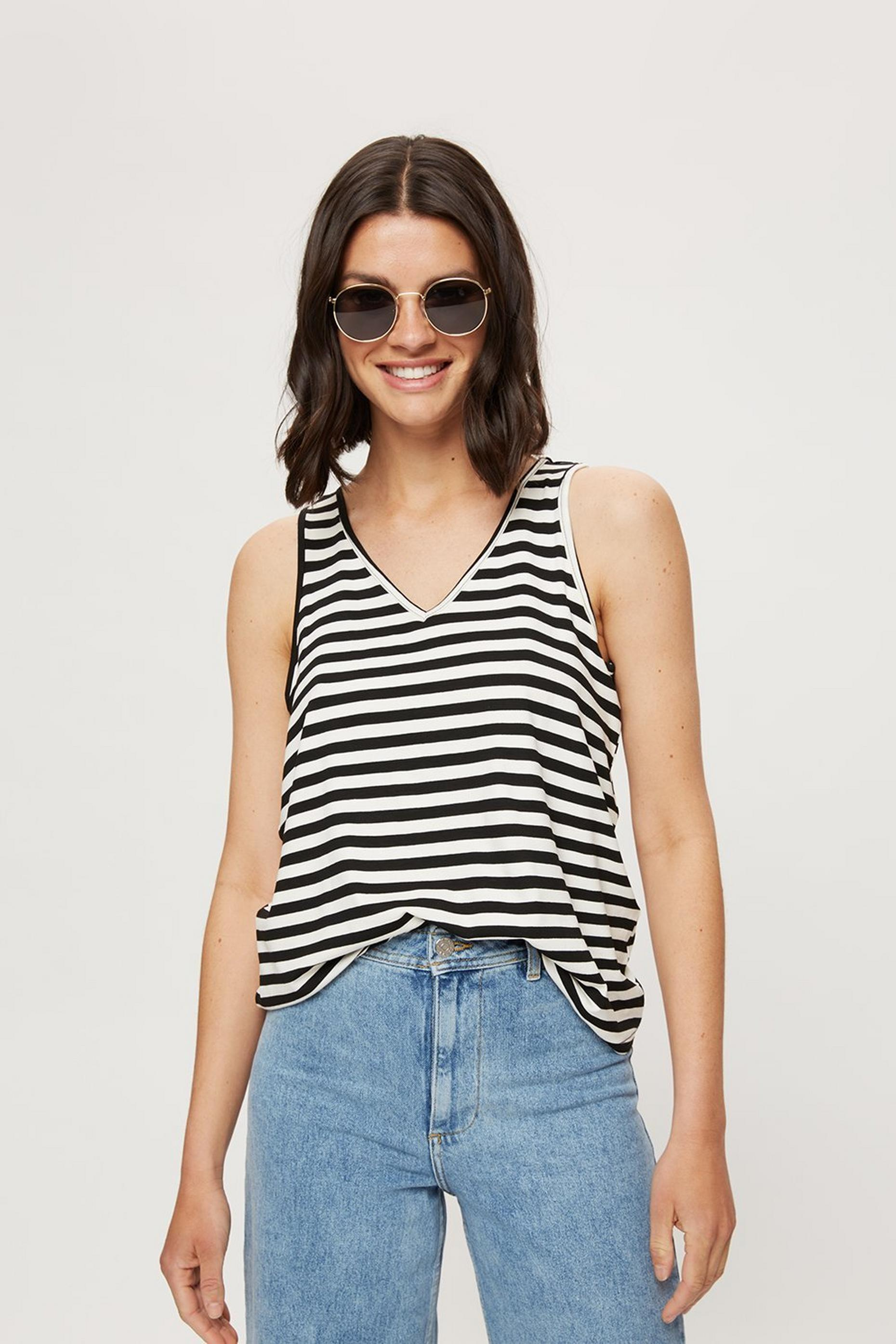 White Stripe Ring Back Vest