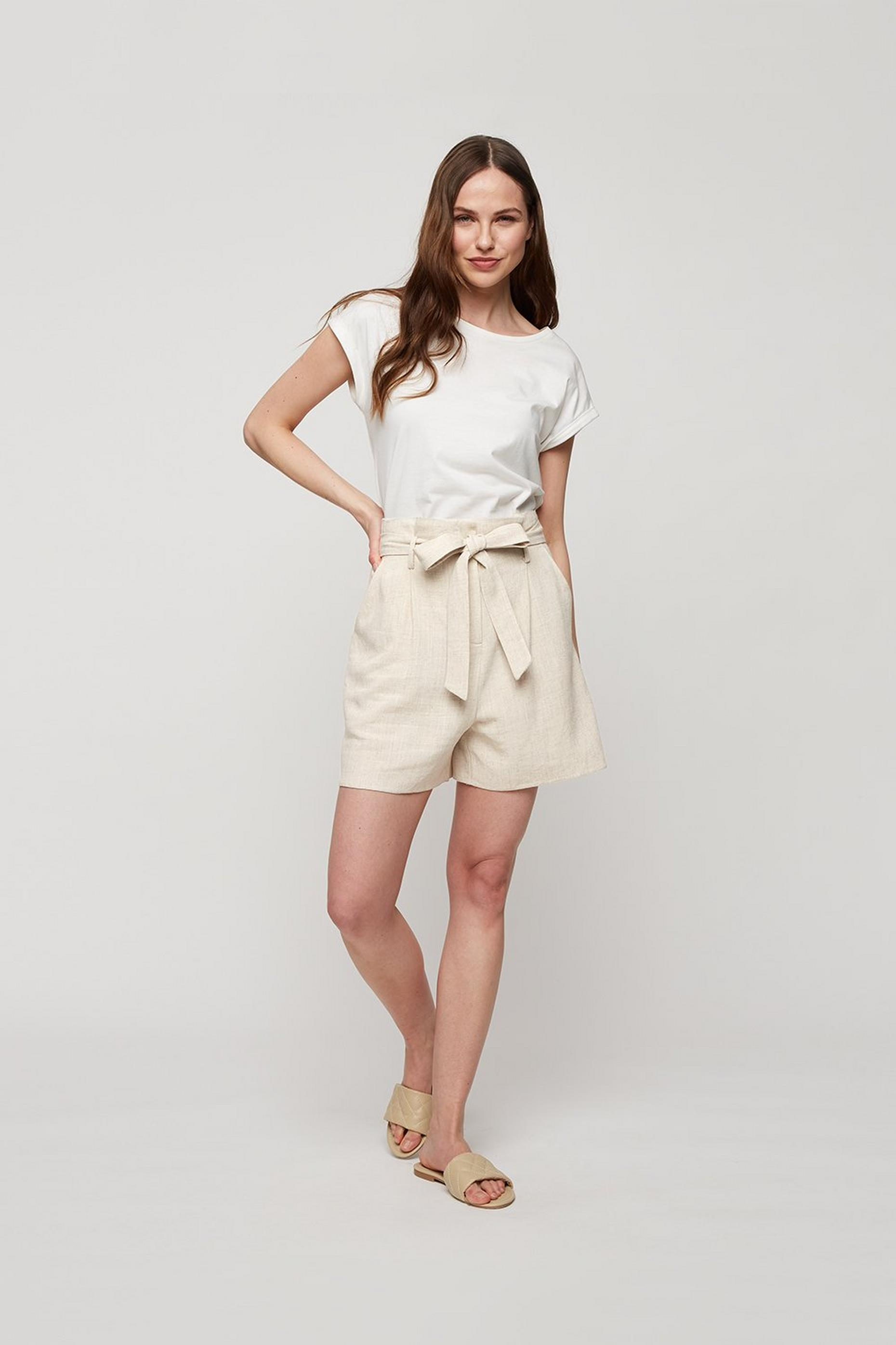 Tailored Belted Linen Shorts