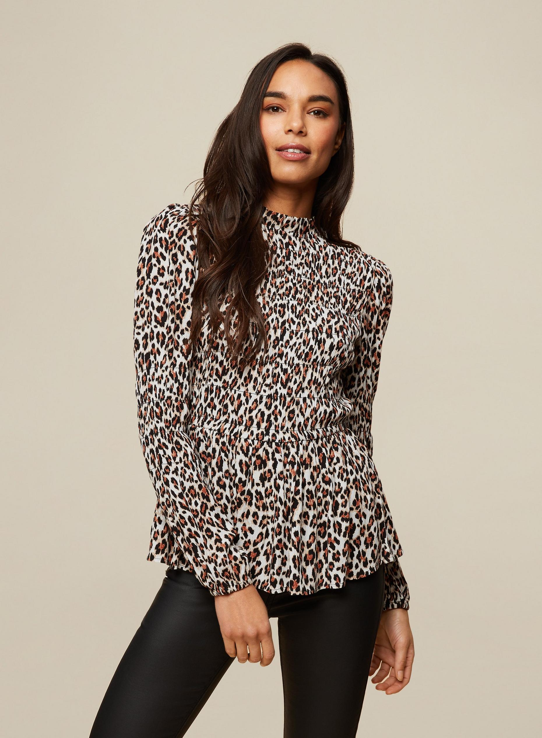 ANIMAL PRINTED CRINKLE TOP