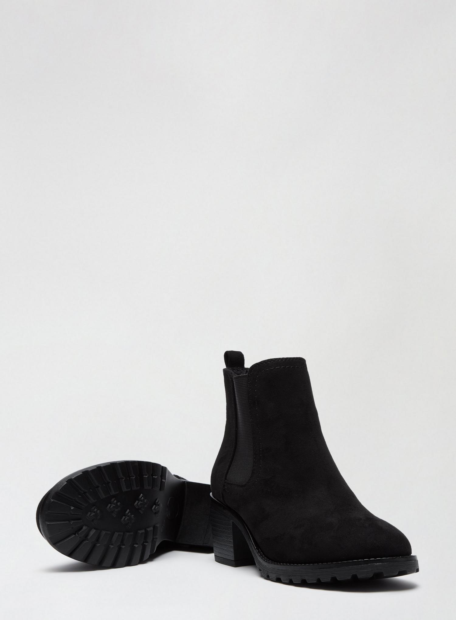 105 Black Ami Chelsea Boots image number 4
