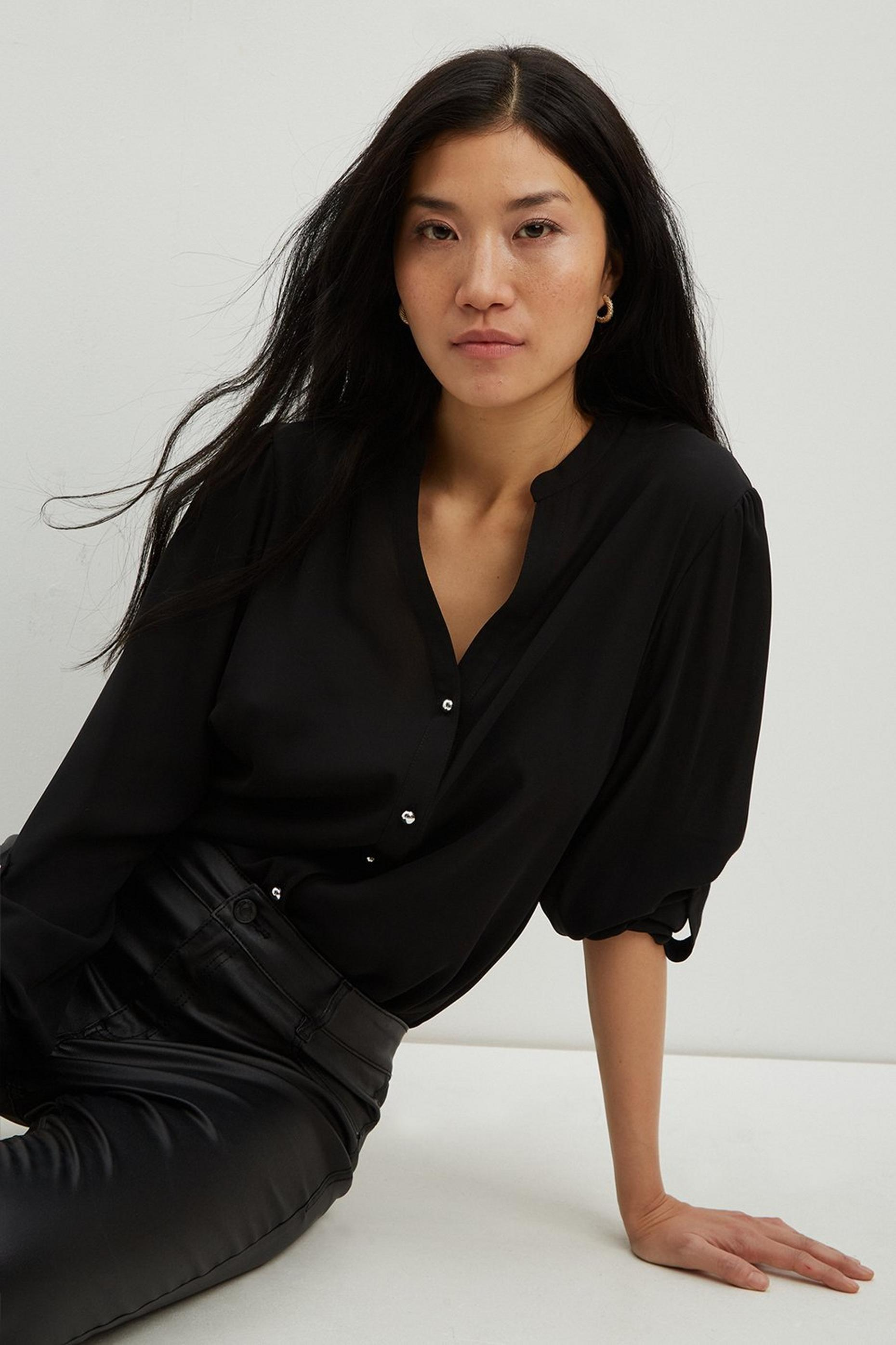 Black Rollsleeve Shirt